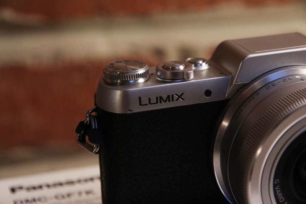 Mon avis sur l 39 appareil photo hybride panasonic lumix gf7 for Changer ecran appareil photo lumix